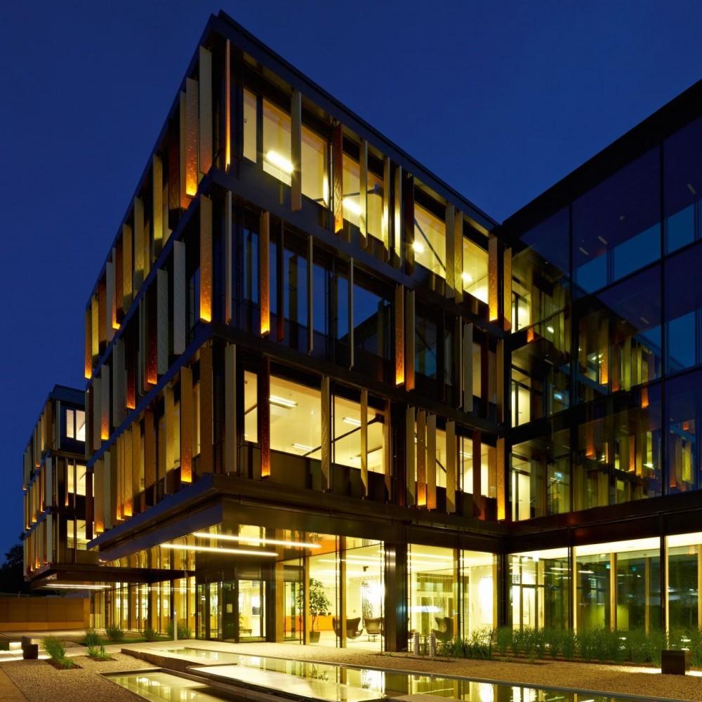- 51ef2bc1e8e44e6da3000092_oficinas-lalux-assurances-jim-clemes-atelier-d-architecture-et-de-design_lalux_mg_1992cmyk-1000x1000